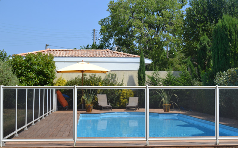 Pisciniste gironde les cl tures pour piscine for Cloture amovible piscine
