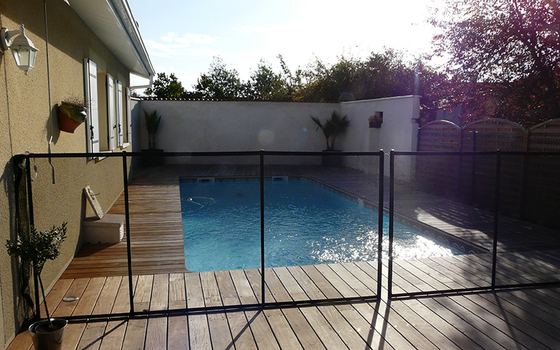 Pisciniste gironde les cl tures pour piscine for Cloture pour piscine