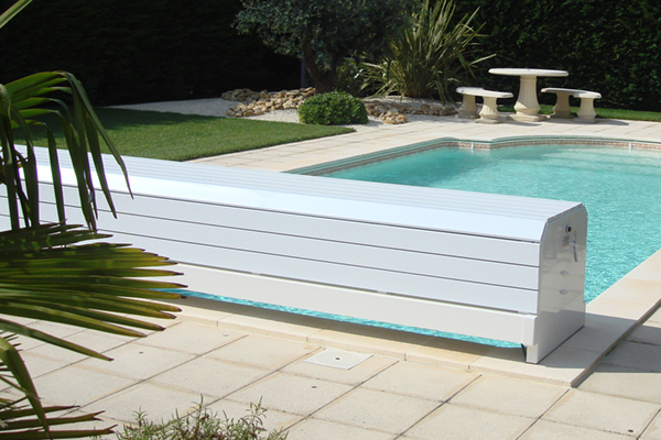 Securite piscine volet roulant volet de s curit pour for Alarme piscine home beach